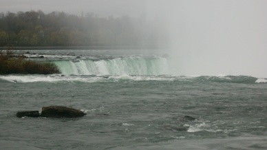Mist rising over Horse Shoe Falls
